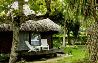 Lush surroundings, Beach Bungalows, Le Maitai Bora Bora